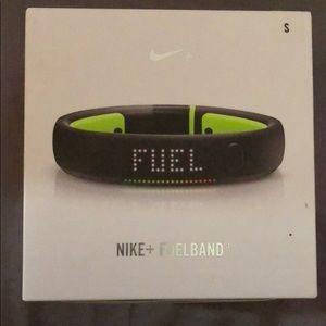 Nike fuelband black and green